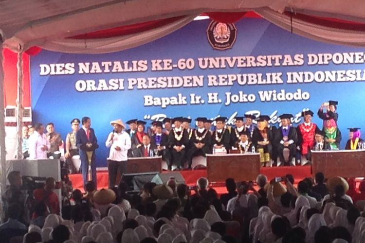 Sampaikan Orasi Di Universitas Diponegoro, Presiden Sebut Alasan Bangun Infrastruktur