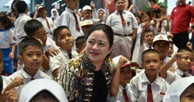 Peringatan Hardiknas, Puan Maharani Minta Kemendikbud Ristek Cermati Angka Putus Sekolah dan Efektivitas PJJ
