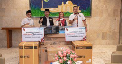 MPN Pemuda Pancasila Dan Indika Foundation Menyumbangankan Alat Musik Kepada Pengurus Masjid Istiqlal